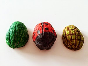 Nueces coloreadas